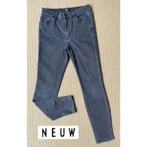 Neuw women black skinny denim jeans W28 L30